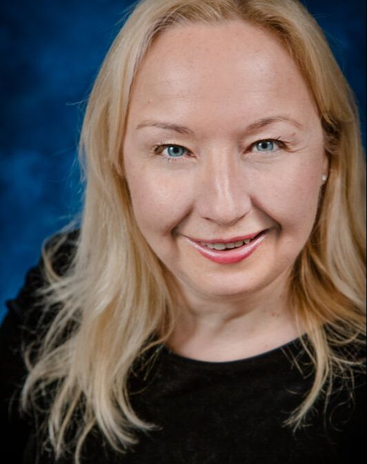 Elisabeth Nivet, Singing and violin