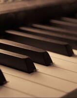 Jennifer Bourdages, Piano